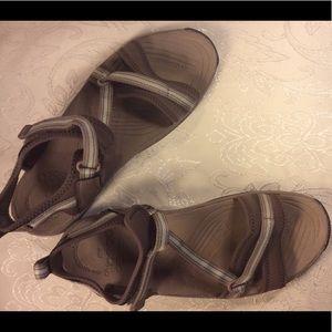 Abeo Sandals